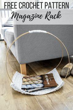 Learn how to make a modern DIY magazine rack that's a conversation piece. The magazine rack has a high-end look but is a beginner friendly crochet pattern. Crochet Yarn, Free Crochet, Quick Crochet Gifts, Yarn Crafts, Diy Crafts, Walpaper Black, Crochet Home Decor, Crochet House, Modern Crochet
