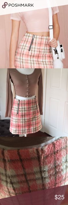 🎀NASTY GAL🎀SEXY FUZZY PLAID SKIRT!! 🎀This cute little piece from Nasty Gal is perfect for school, date night, girls night and more! The fuzzy lining is perfect for the 2018 winter trend and the zipper details make it casual and versatile! 🎀 Practically perfect condition!! Nasty Gal Skirts