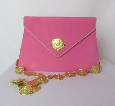Valentino Garavani Classy Pink Envelope Handbag The 30 Years of Magic Collection Vintage Clothing, Vintage Outfits, Pink Envelopes, Valentino Garavani, 30 Years, Continental Wallet, Favorite Color, Classy, Magic