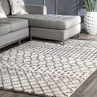 Shop for The Curated Nomad Stockton Moroccan Trellis Shag Rug. Get free delivery On EVERYTHING* Overstock - Your Online Home Decor Store! Get in rewards with Club O! Rustic Contemporary, Machine Made Rugs, Rugs Usa, Patterned Carpet, Beige Carpet, Online Home Decor Stores, Online Shopping, Grey Rugs, Colorful Rugs