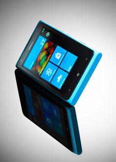 Nokia Lumia 900 cyan home screen
