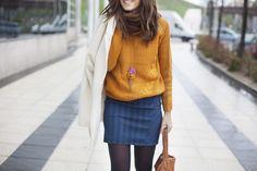 """Buenos días chicas!   Hoy la blogger """"B a la moda"""" ha optado por combinar nuestro jersey mostaza en su post.  Podéis ver todas las fotos en :  www.balamoda.net"""