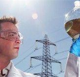 Air Fuel Synthesis (AFS), una pequeña compañía de Stockton-on-Tees, Reino Unido, ha conseguido sintetizar gasolina a partir de agua y CO2, extraídos del aire