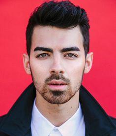 LOVE Joe Jonas eyebrows. Scraggly beard is nice too ;)