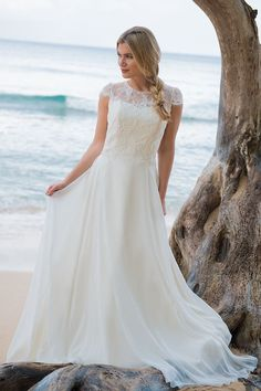 b68a55de4cad Sea Breeze is a chic and feminine bridal gown which gives a gorgeous  silhouette. The