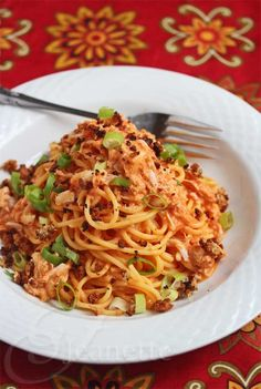 Creamy Tomato Crab Pasta Sauce Recipe © Jeanette's Healthy Living #GreekYogurt
