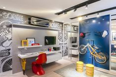 Creative Boys Bedroom with Bicycle Themes