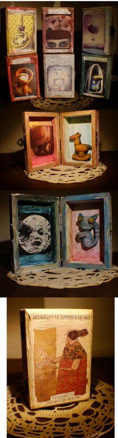 LE MIE TRAVEL BOXES- Storie in scatola. Scatoline oniriche, come un libro, come un teatro, come un viaggio nel sogno. Le uniche, le originali dal 2003. Diffidate dalle imitazioni.  Favole, sogni e incubi, personaggi inventati e assurdi, un' illustrazione da toccare e un viaggio da provare. #travel boxes