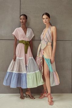 Inspired by the Coast of the Carribean, Silvia Tcherassi Spring Summer 2020 collection has an island-inspired feel about it. 2020 Fashion Trends, Fashion 2020, Fashion Week, Spring Fashion, Fashion Ideas, Fast Fashion, Look Fashion, Fashion Show, Womens Fashion