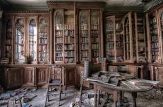 Berkyn Manor aka Bull Manor aka Furhouse Manor is a large abandoned home set on a working farm in a small village called Horton near Slough, England. Imagine the treasures that can be found in these books