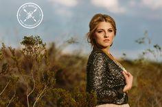 Posh Poses | Solo | Who Run The World? Girls. | Sparkle Glam | Fierce Wow | Outdoors | Desert | Blue Skies | Out-Of-The-Box | Senior Girls Inspiration #luxeinlasvegas #eyecandy