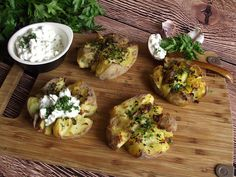 Kulinarny Świat Konczi i Szpileczki: Pieczone ziemniaki z twarożkiem
