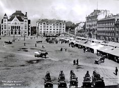 Helsinki railway station square by Signe Brander 1909 Old Pictures, Old Photos, Vintage Photos, History Of Finland, Finnish Language, City Museum, History Of Photography, Old Buildings, Historical Pictures
