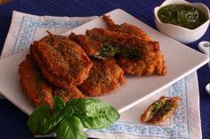 Ecco un'idea sfiziosa per cucinare le sarde (o se preferite le alici)  senza lische: un sandwich  di pesce ripieno di profumato e gustoso pesto al basilico.