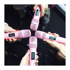 BLACKPINK's pink microphones with the name of each member . JAPANESE DEBUT