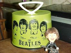 BEATLES 1966 Charter Industries Green Disk-Go 45 Carrying Case and Paul doll