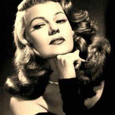 Long live vintage Hollywood glamour!