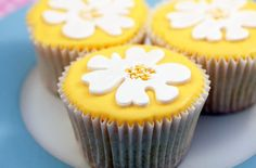 75 Mother's Day cakes and bakes - Lemon cupcakes - Recipes - goodtoknow