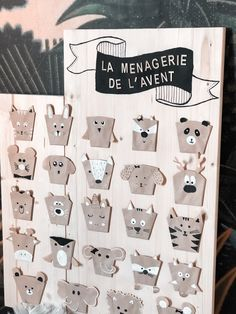 {DIY} La ménagerie de l'avent! Bubble, Bois Diy, Diy Advent Calendar, Craft, Photo Wall, Holiday Decor, Christmas, Home Decor, Rustic Ladder