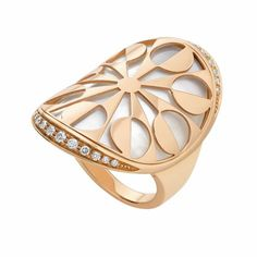 Ring by Bulgari, wearing the design and not the brand name, that's called class.