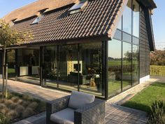 Vrijstaande woning Voorhout - Welstand Bouw Patio, Mansions, House Styles, Outdoor Decor, Modern, Home Decor, Trendy Tree, Decoration Home, Terrace