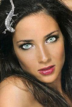 The World's Most Beautiful Eyes Most Beautiful Eyes, Stunning Eyes, Gorgeous Eyes, Pretty Eyes, Cool Eyes, Gorgeous Women, Beautiful People, Amazing Eyes, Female Eyes