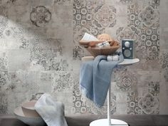 Italian homes: a virtual home tour in materials and textures, and in tradition and modernity - ITALIANBARK interior design blog - Ragno ceramics