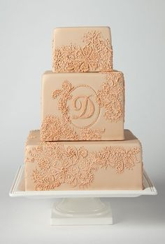 Square wedding cake with piped lace #cakes #weddingcake #squarecake #dessert #weddingdessert