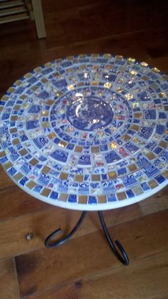 mosaic end table - would love to take an antique table from my parents room to create this look
