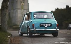 Austin Cooper S, possibly a MK1. Got mk1 bumpers, windows...