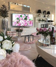 Recreate this white and pink cozy living room decor - Design + Living Room Decor Cozy, New Living Room, Living Room Kitchen, Living Room Interior, Home And Living, Dining Room, Home Decoracion, Living Room Remodel, Cozy House