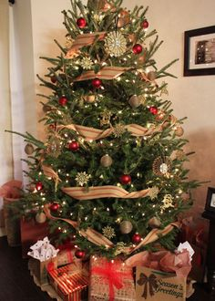 Country Christmas Tree.Pinterest
