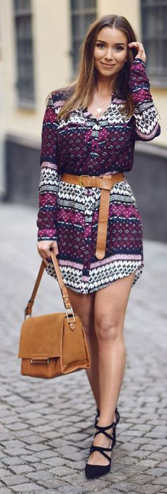 Emilie Tommerberg Belted Print Shirt Dress Everyday Stylish Fall Outfit Idea