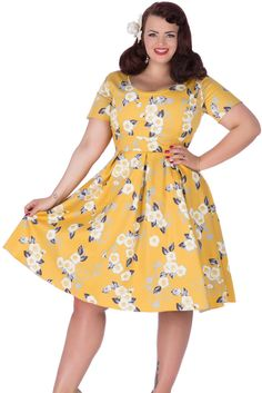 So today we at Lady Voluptuous have probably released my (dare I say it) favourite dress to date… Phoebe. Phoebe is an absolute dream of a dress, and one I am so excited to see come to life i… Vintage Style Dresses, Vintage Outfits, Vintage Fashion, Pretty Outfits, Beautiful Outfits, Pretty Clothes, Curvy Fashion, Plus Size Fashion, Women's Fashion
