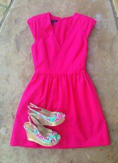 dress hot pink lilly pulitzer shoes wedges lily pulitzer pink hot floral pretty bright summer nights date outfit outfit green blue pop colorful hot pink dress pink dress summer dress Vestido Pink, Jw Mode, Look Fashion, Womens Fashion, Dress Fashion, Fashion Clothes, Fashion Ideas, Preppy Clothes, Fashion Usa