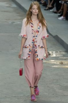 Chanel- Spring Summer 2015 Paris fashion week