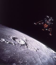 The Apollo Lunar Module known as the Eagle descends onto the surface of the moon during the Apollo 11 mission, 20th July 1969. This is a composite image comprised of two separate shots.  (Photo by Space Frontiers/Hulton Archive/Getty Images)