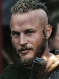 Travis Fimmel, actor of the Vikings series, Discover in this article the truth … – Norse Mythology-Vikings-Tattoo Ragnar Lothbrok Vikings, Lagertha, Viking Men, Viking Life, Viking Warrior, Viking Shop, Travis Fimmel Vikingos, Vikings Travis Fimmel, Vikings Tv Series