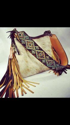 Ok THIS is kinda cool! - accessories bags, tan fringe bag, brand name bags *ad : Ok THIS is kinda cool! - accessories bags, tan fringe bag, brand name bags *ad Fashion Mode, Boho Fashion, Hippie Chic, Bohemian Style, Mode Country, Brand Name Bags, Fringe Bags, Fringe Purse, Boho Bags