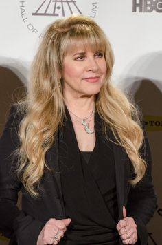 Stevie Nicks insists former lover and Fleetwood Mac band mate Lindsey Buckingham will love her new solo album because half the tracks are about him. Stevie Nicks Lindsey Buckingham, Buckingham Nicks, Rumours Album, Stephanie Lynn, Stevie Nicks Fleetwood Mac, Beautiful Voice, My Favorite Music, Our Girl, Just Amazing