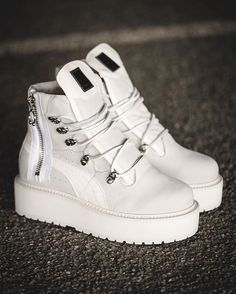 Instagram post by Solebox Sneaker Shop • Sep 16 06db220dc