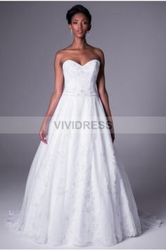 A Line Sweetheart Chapel Train Tulle Fabric Bridal Wedding Dresses With Appliques Style