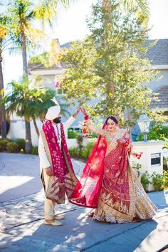 Indian Wedding Photos, Indian Weddings, Cover Up, Sari, Colorful, Dresses, Fashion, Gowns, Moda