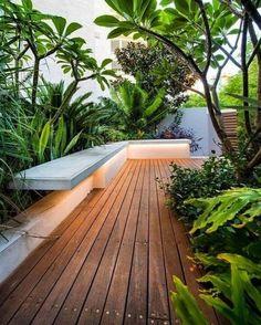 Tropical Garden Design, Backyard Garden Design, Diy Garden, Backyard Patio, Lush Garden, Garden Ideas, Modern Garden Design, Modern Backyard, Bamboo Screen Garden