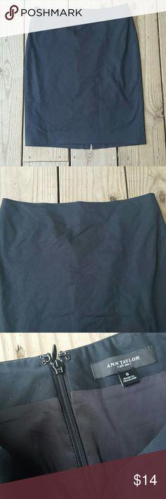"Ann Taylor pencil skirt Black, lined, cotton/ elasterrll blend, size 8, length 22"" Ann Taylor Skirts Midi"