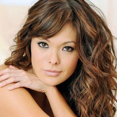 Lindsay Price with Highlights in Asian Hair... My hair is always done this way. May go back to it