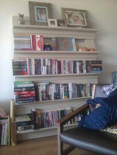 DIY: Build a pallet bookshelf (PDF plan available)