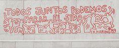 """Keith Haring """"Todos juntos podemos parar el SIDA"""" (1989) Mural/Pintura Urbana realizado en Barcelona. Pintura acrílica roja. Tema: VIH"""