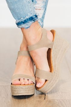 YES, we have the shoes you need. - Elena Espadrille Wedges Elena Espadrille Wedges Spring shoes, spring outfits, wedges for spring, casual wedges Platform espadrille sandals in a simple. Pump Shoes, Women's Shoes Sandals, Wedge Shoes, Women Sandals, Shoes Women, Slide Sandals, Platform Espadrille Sandals, Heeled Espadrilles, Women's Oxfords