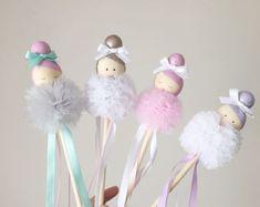 Cd Crafts, Easy Crafts, Diy And Crafts, Crafts For Kids, Arts And Crafts, Pom Pom Crafts, Diy Origami, Childrens Room Decor, Wooden Dolls